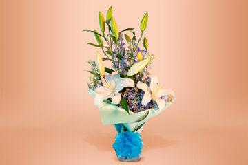 Ramo floral natural con hortensia y casablanca