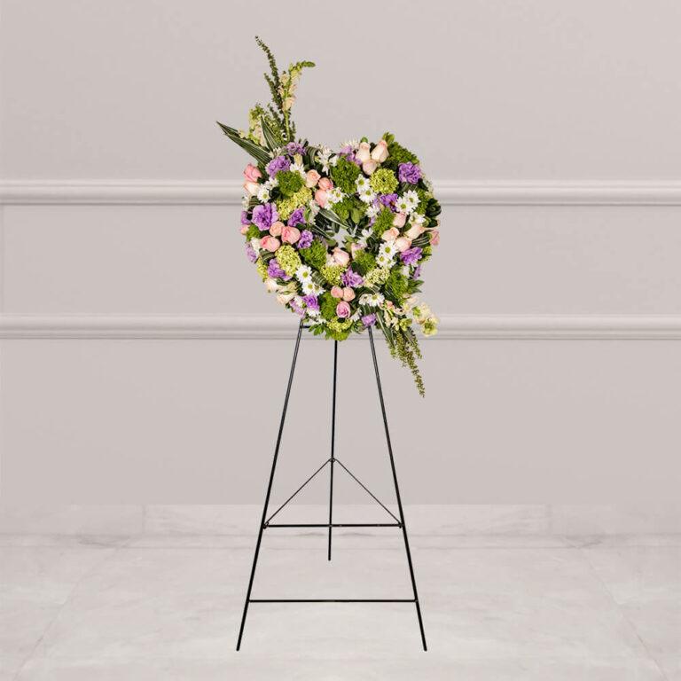 Arreglo floral para funerales con rosa, margarita, hortensia