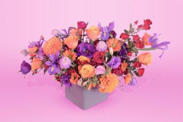 Arreglo floral natural con base rosas lirio