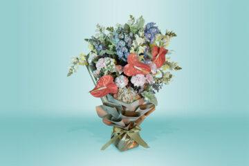Ramo natural con clavel rosa y hortensias